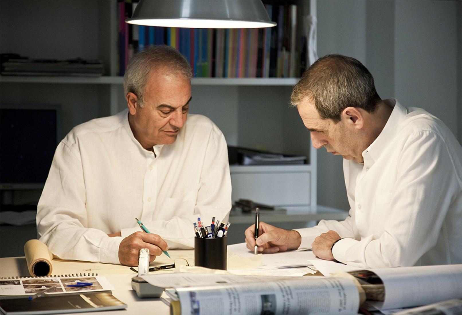 Cruz y Ortiz architects. Retrato. Fotografía © Fernando Alda.