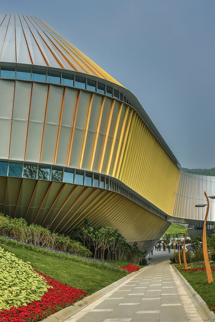 Qingdao World Horticultural Expo Theme Pavilion completed by UNStudio. Photography © Edmon Leong.