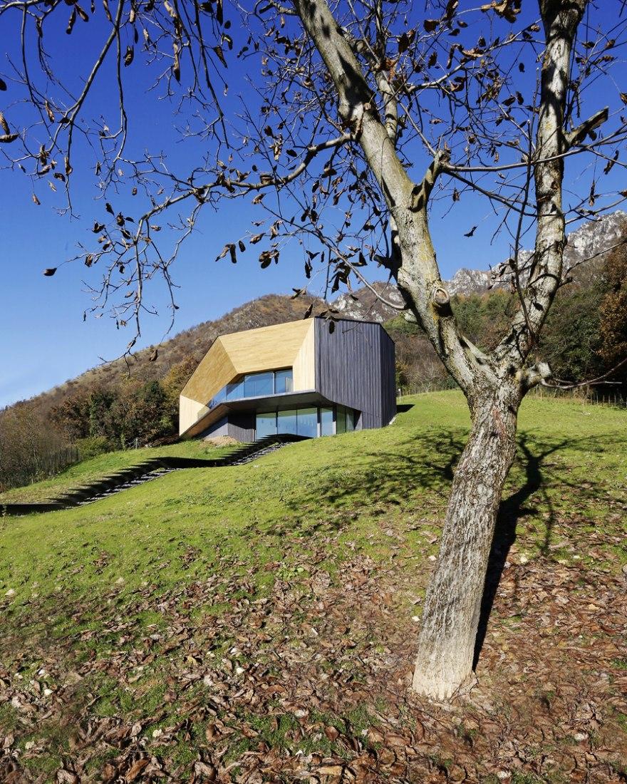Villa en los Alpes por Camillo Botticini Architetto. Fotografía © Niccolò Galeazzi.