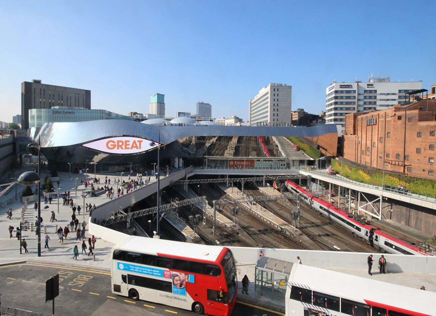 Vista este. Nueva Estación en Birmingham por AZPML. Cortesía de Zaera-Polo Arquitectura.