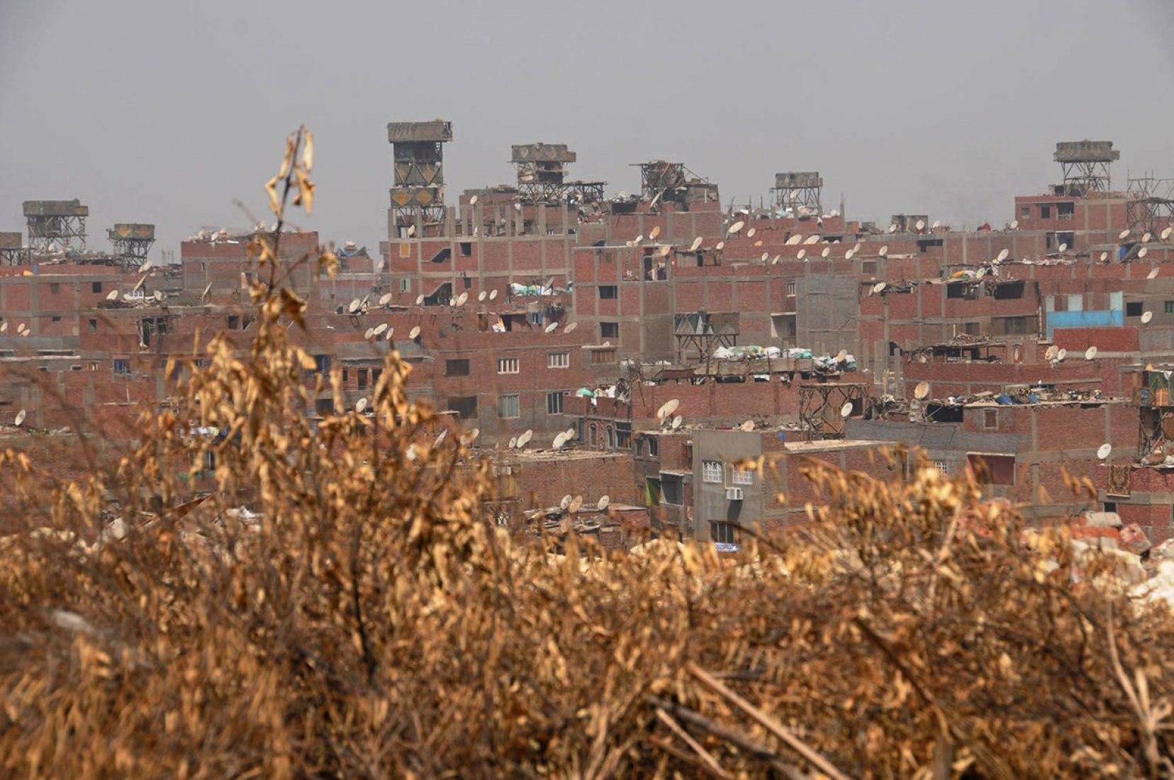 Vista de Torre de madera para cría de palomas, en El Cairo, Egipto. Fotografía © Manuel Álvarez Diestro.