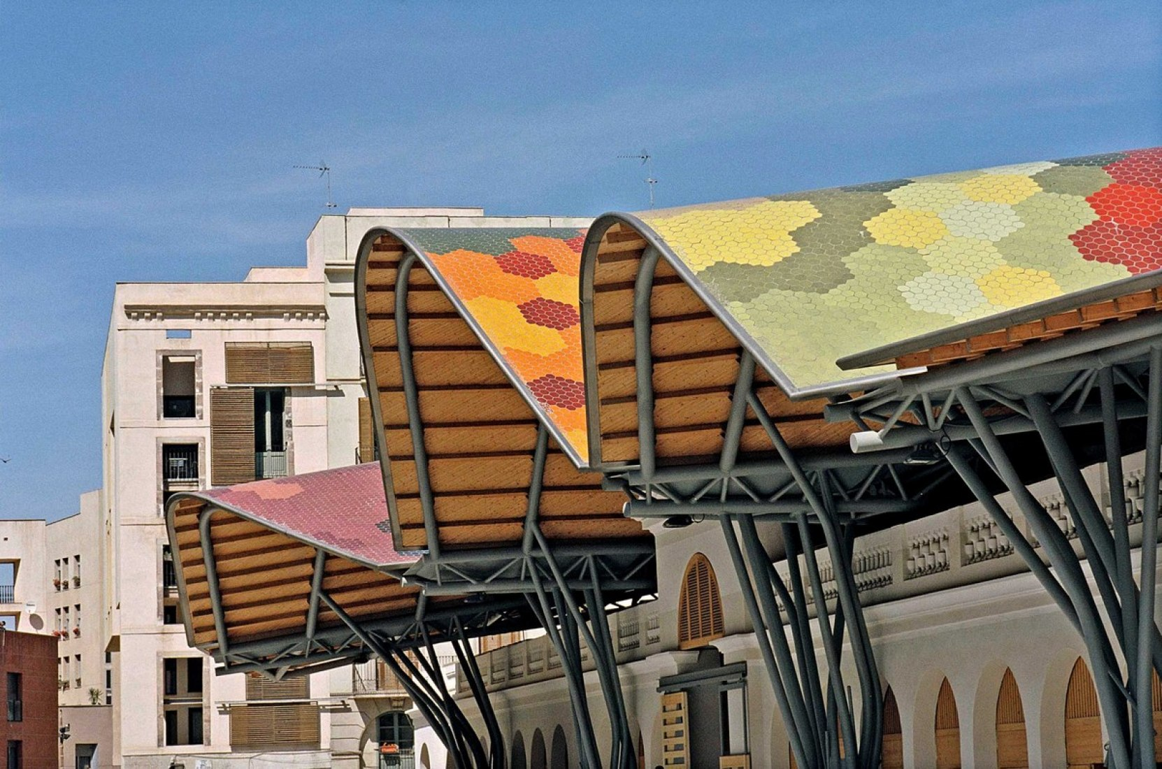 Rehabilitation of Santa Caterina Market by EMBT. Photography © Alex Gaultier