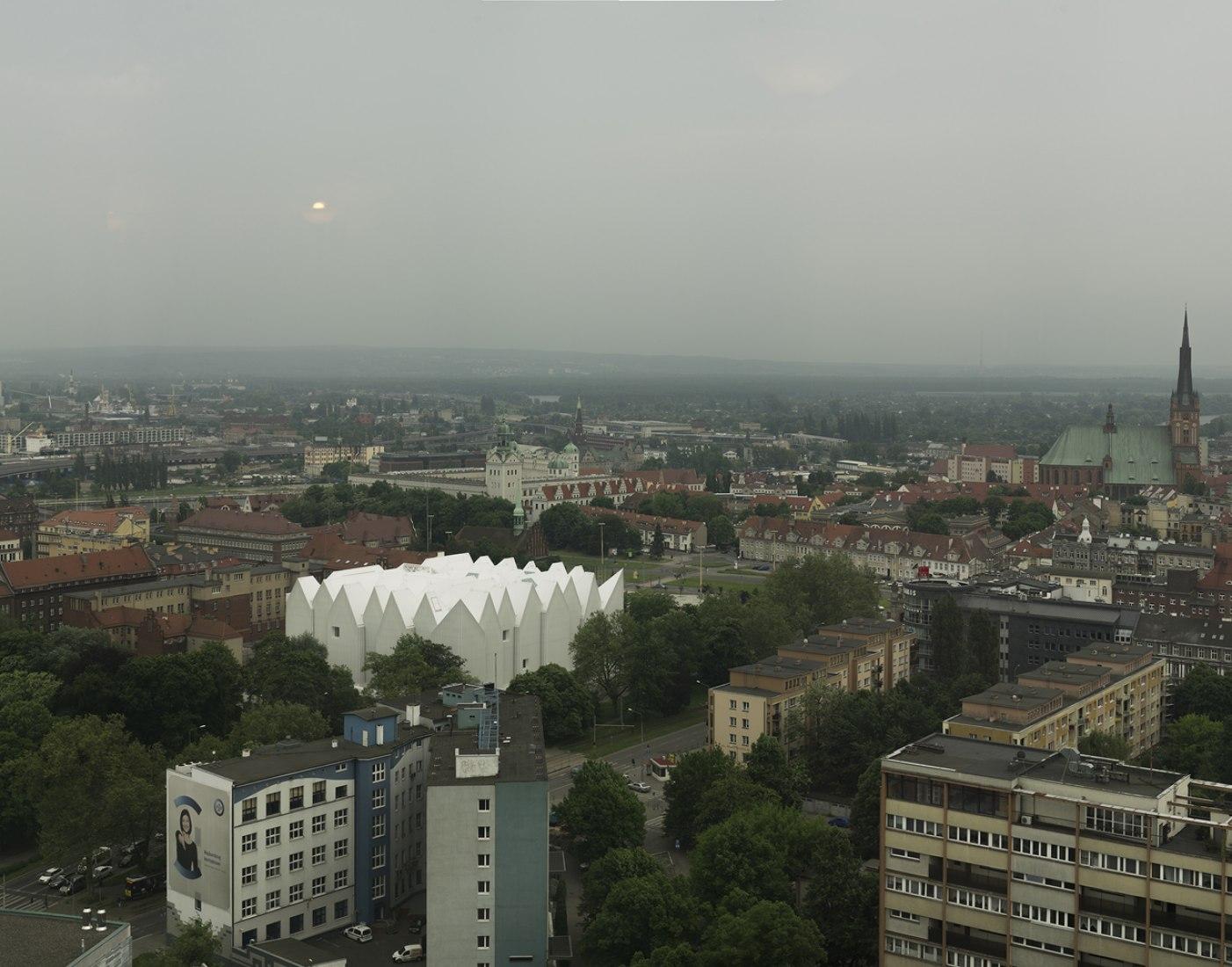 Overview. Philharmonic Hall in Szczecin by Barozzi / Veiga. Photography © Simon Menges.