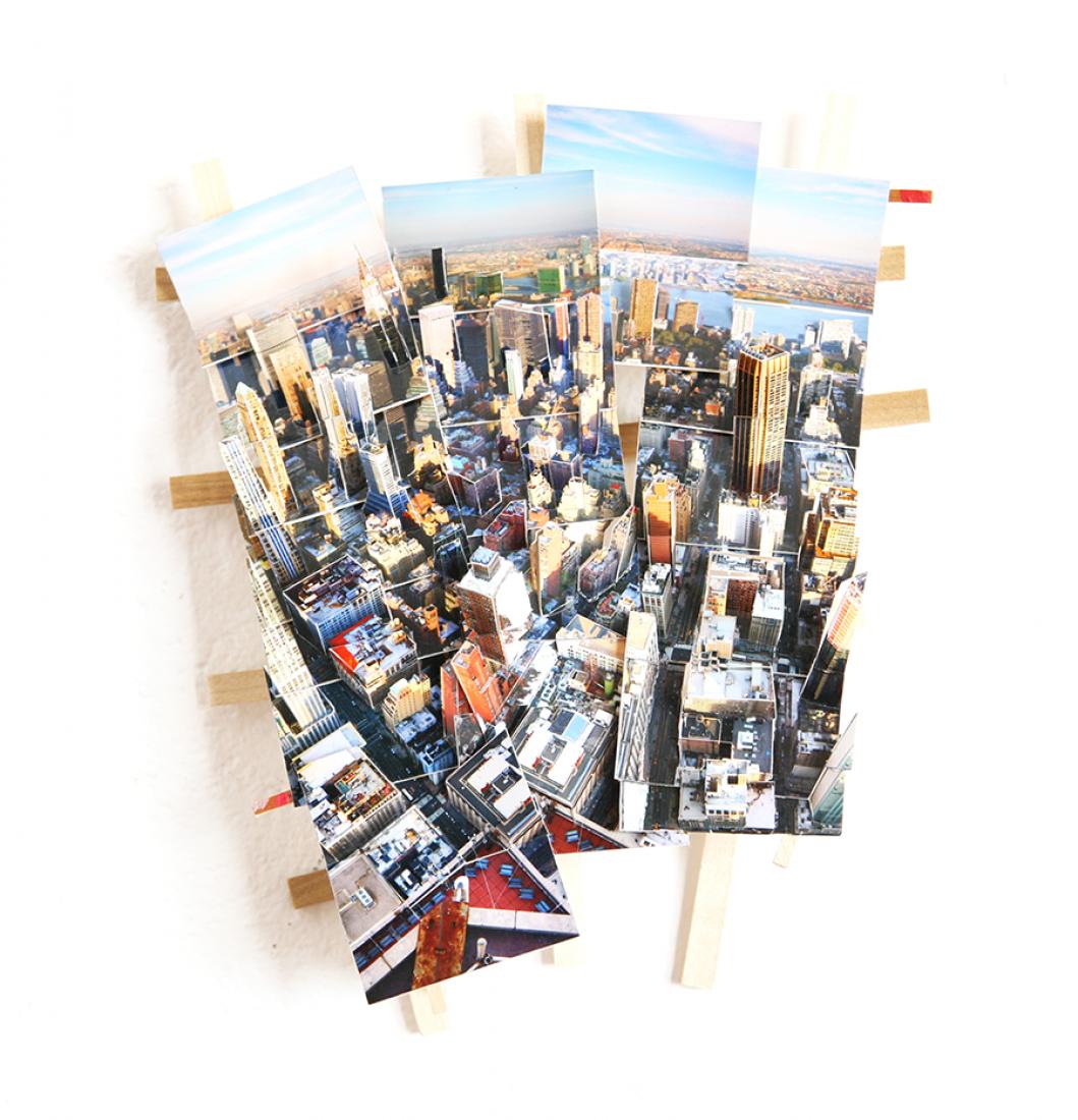 Vista aérea de Nueva York. Impresión color, tablero de museo, madera. 2015. 33x29x7cm. © Isidro Blasco.