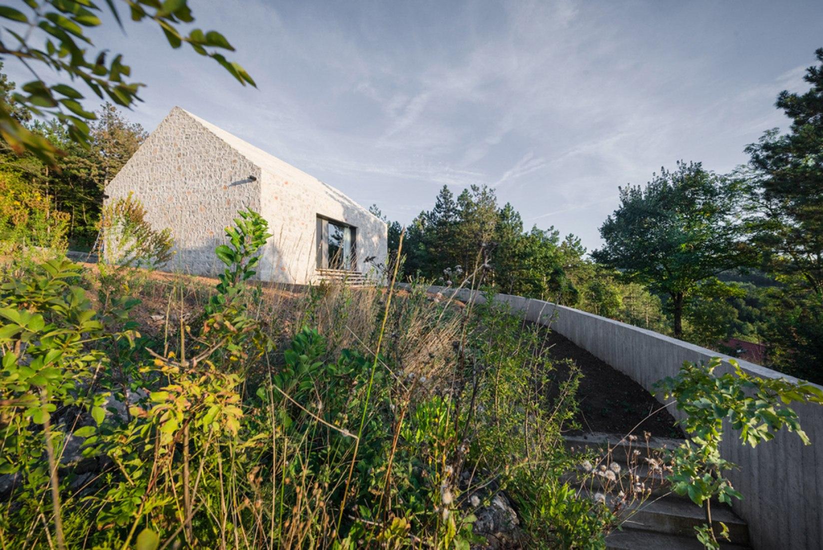Compact Karst House by Dekleva Gregorič Arhitekti. Photograph © Janez Marolt.