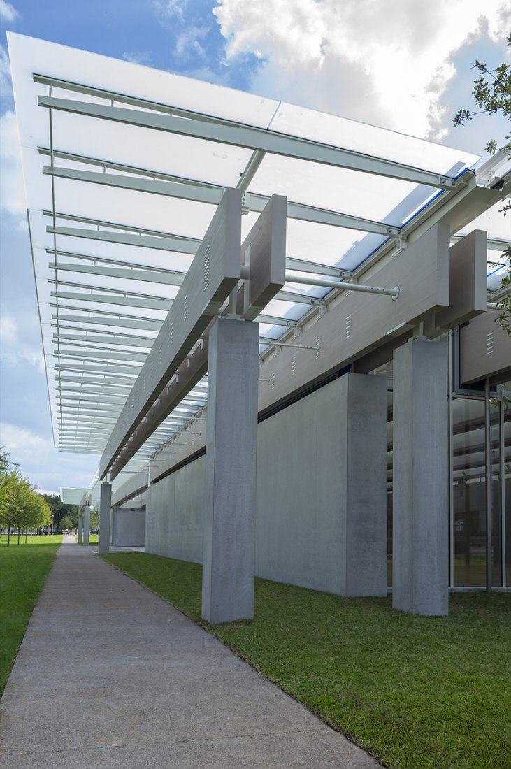 Pavilion by Renzo Piano in the Kimbell Art Museum. Photograph © Robert Polidori.