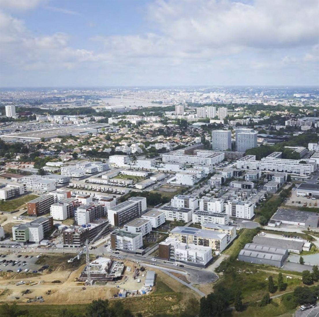 Vista general. Regeneración urbana de Lormont por LAN Architecture. Imagen cortesía de LAN Architecture.