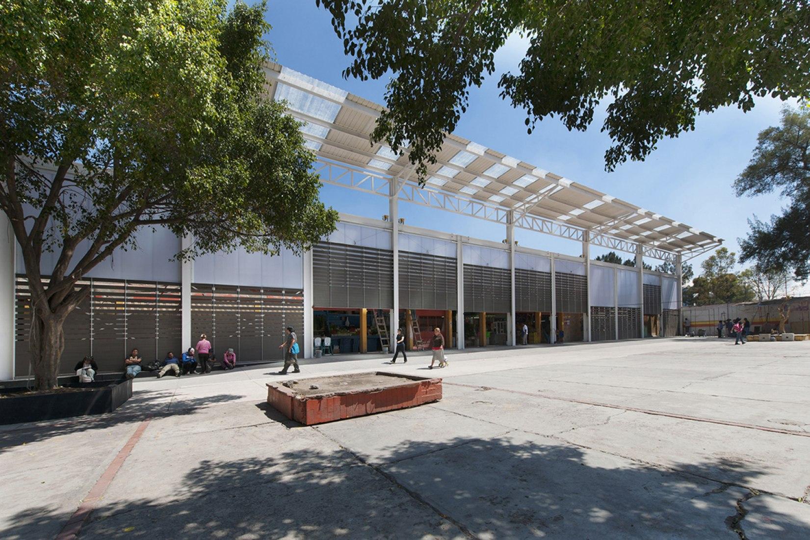 Imagen del exterior. Rehabilitación del Mercado de la Purísima por Bandada Studio. Fotografía © Jaime Navarro.