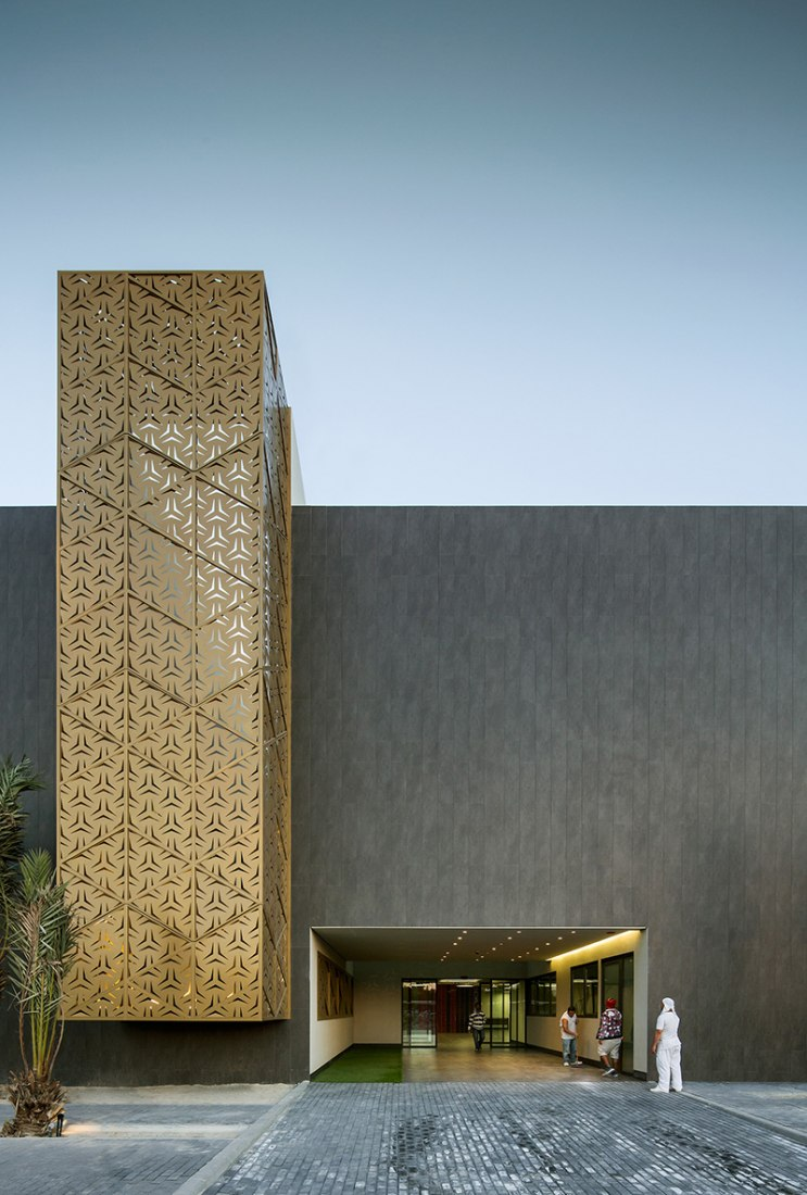 Entrance of Ali Mohammed T. Al-Ghanim Clinic by AGi architects. Photography © Nelson Garrido.