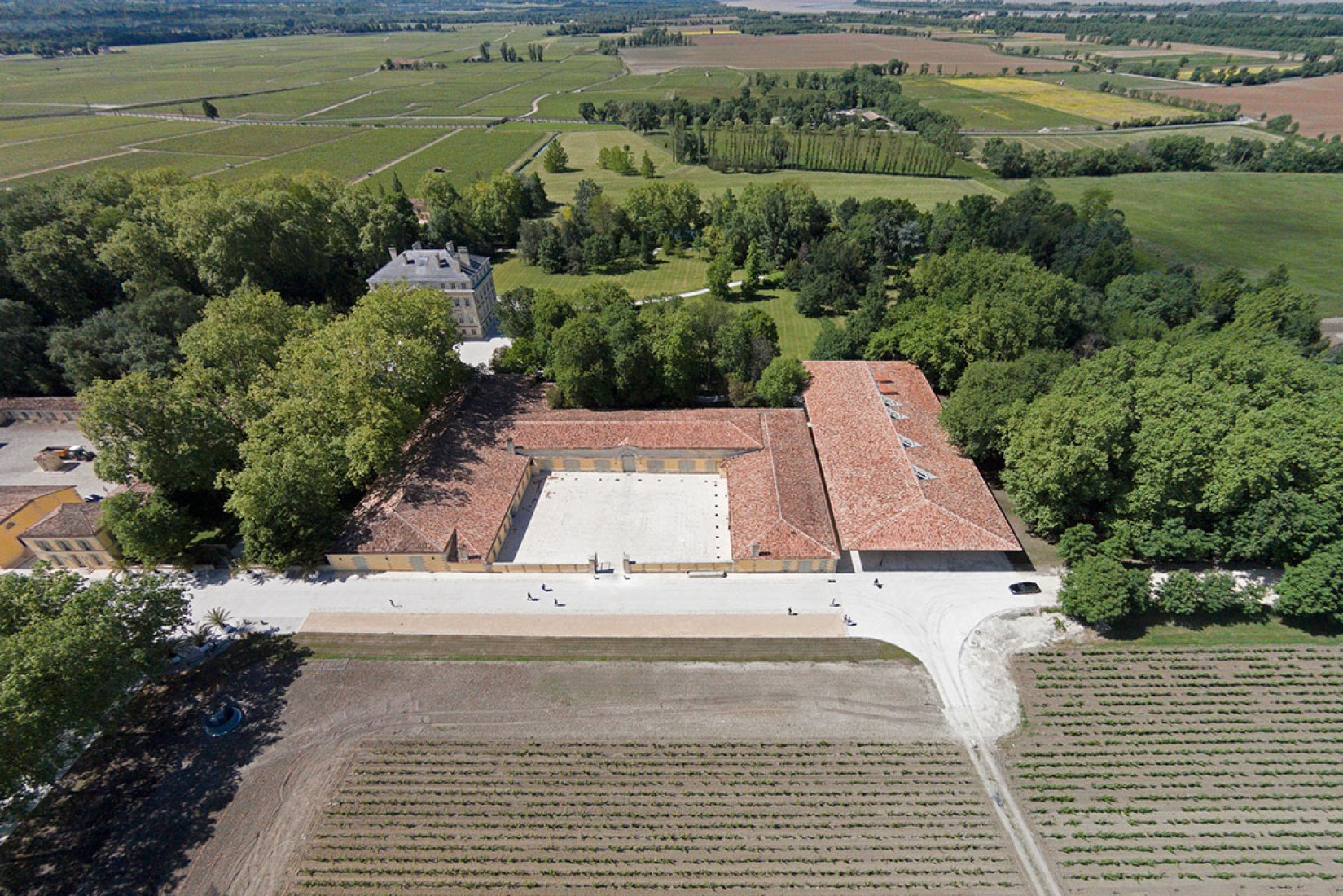Aerial view. New Winery for Château Margaux by Foster and Partners. Photography © Nigel Young / Foster + Partners.