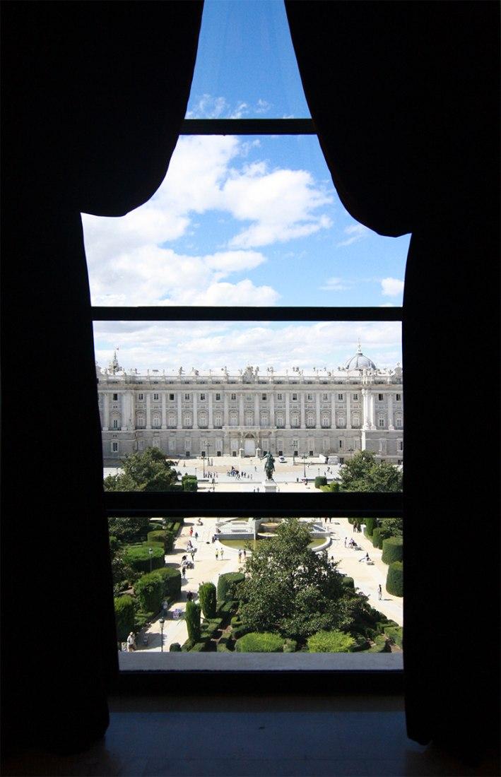 Vista del Palacio Real desde el Teatro. Fotografía © Leonor Martín / METALOCUS.