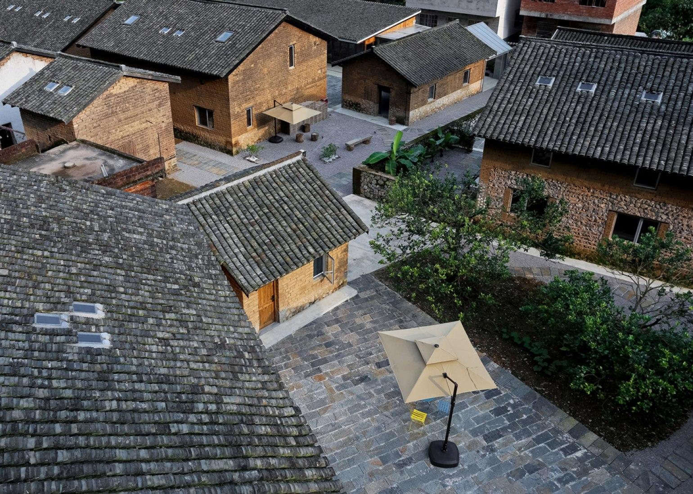 Aerial view. Yun Lu hotel by Atelier Liu Yuyang. Photograph © Su Shengliang.