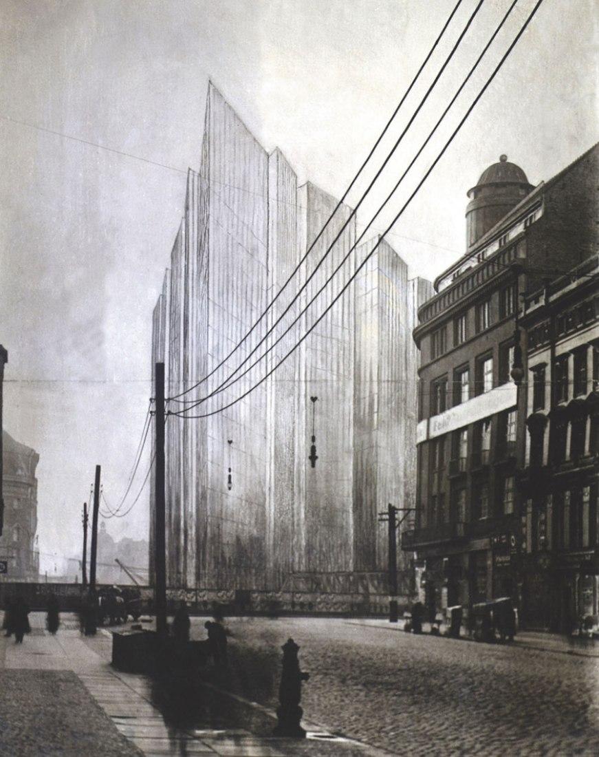 Mies van der Rohe, Proyecto del rascacielos Friedrichstrasse, Berlín, 1921-2, versión opaca del fotomontaje. Cortesía de Bauhaus-Archiv Berlín, Fotografía: Markus Hawlik.