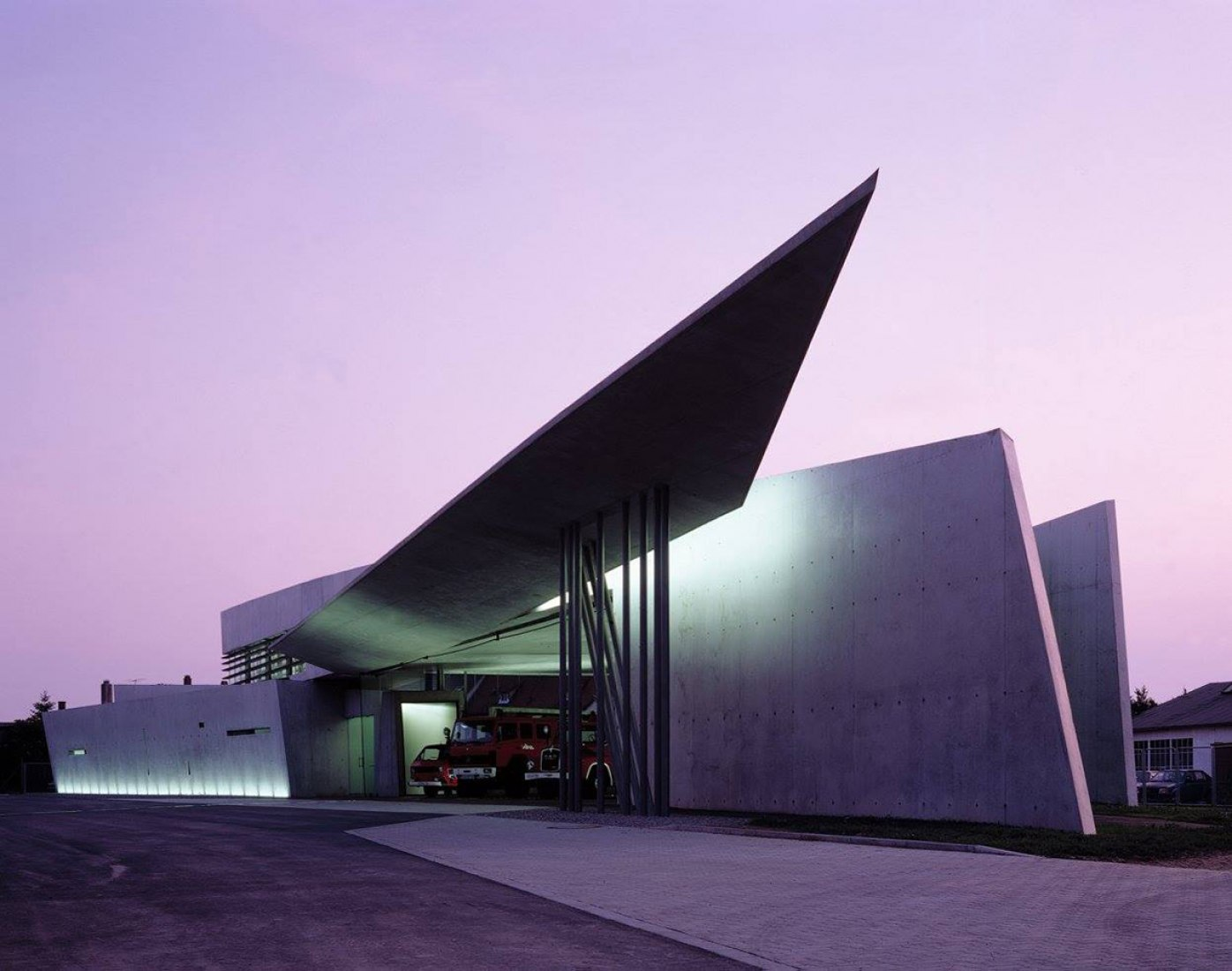 Zaha Hadid. Vitra Fire Station, Weilam Rhein, Germany. Photograph © Christian Richters. Image courtesy of RIBA. Click above to see largest image.