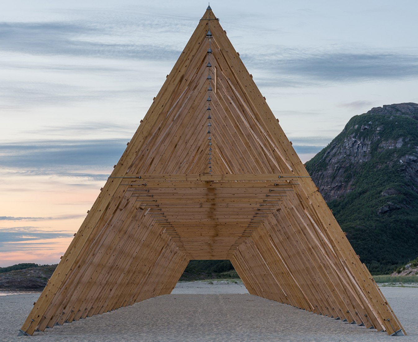 Main structure by Sami Rintala. Photography © Rintala Eggertsson Architects.