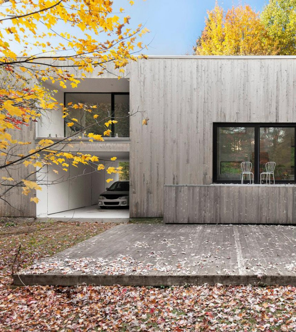 Exterior image of the Maison Terrebonne by la SHED architecture. Photography © Maxime Brouillet.