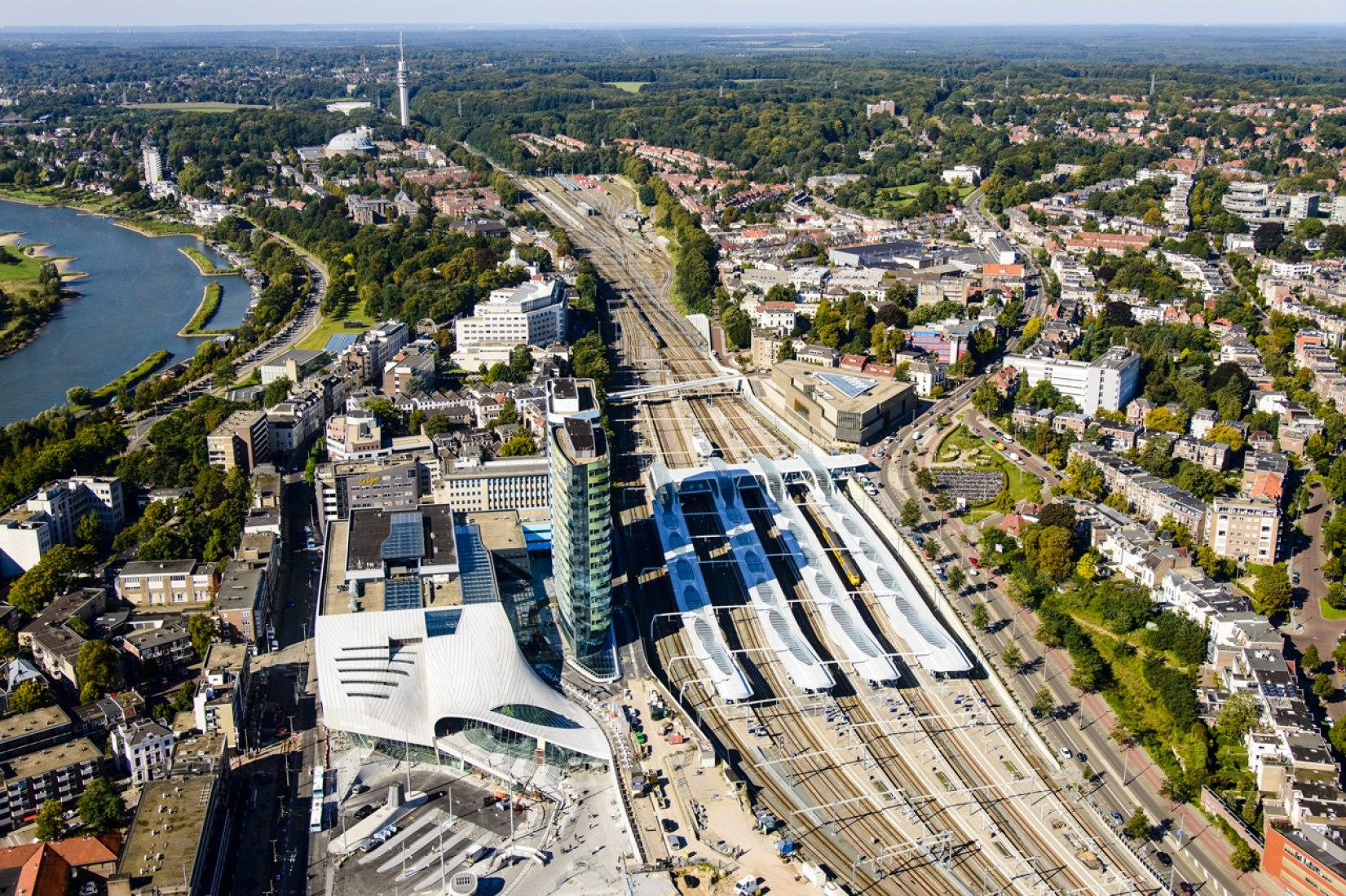 Estación Central y de transferencia de Arnhem por UNSTUDIO. Fotografía © Siebe Swart.