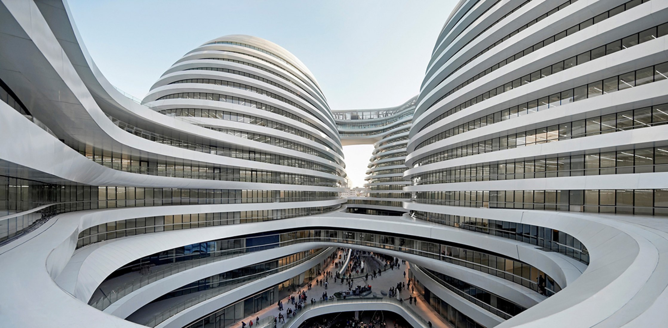 Galaxy Soho, Pekín, China por Zaha Hadid Architects. Fotografía © Iwan Baan.