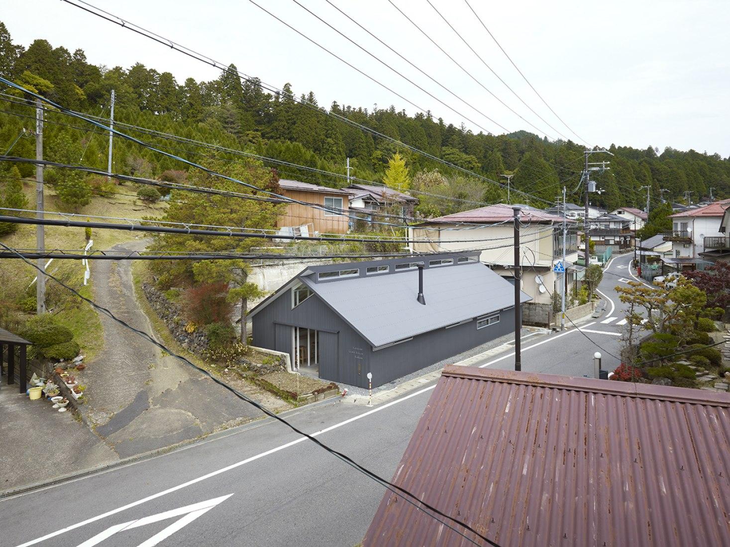 Vista exterior. Casa de Invitados en Koyasan. Fotografía © Toshiyuki Yano
