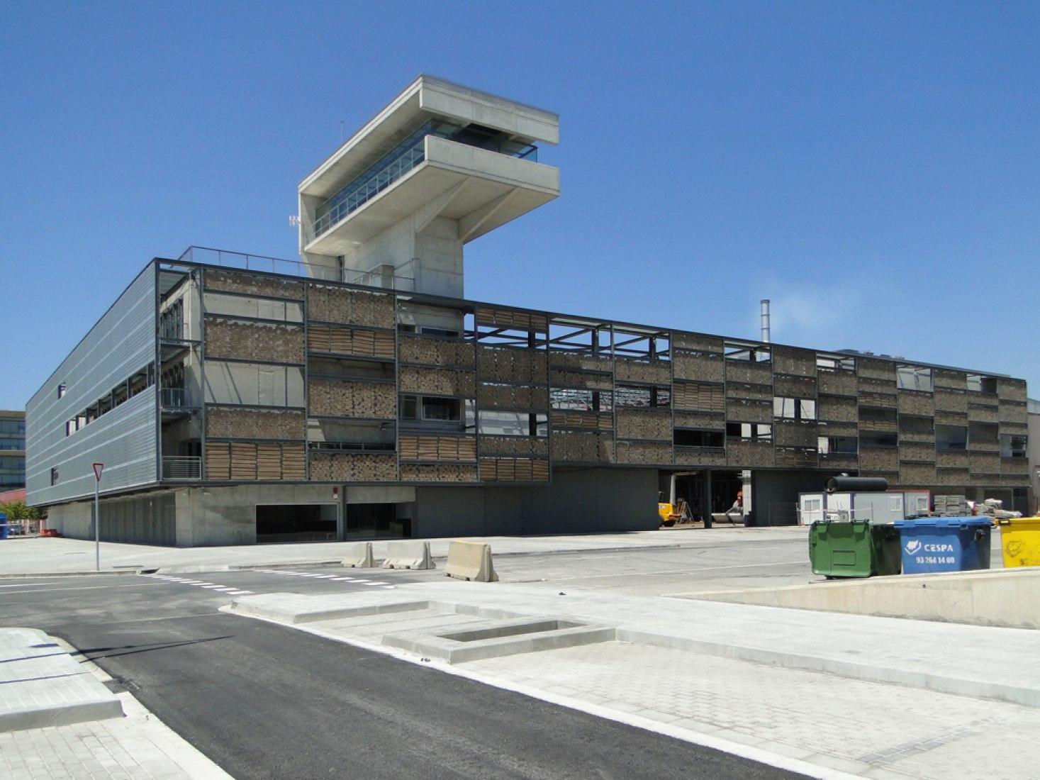 Central de Generación de Energías Barcelona Sur/Zona Franca. Fotografía © Forgas Arquitectes.