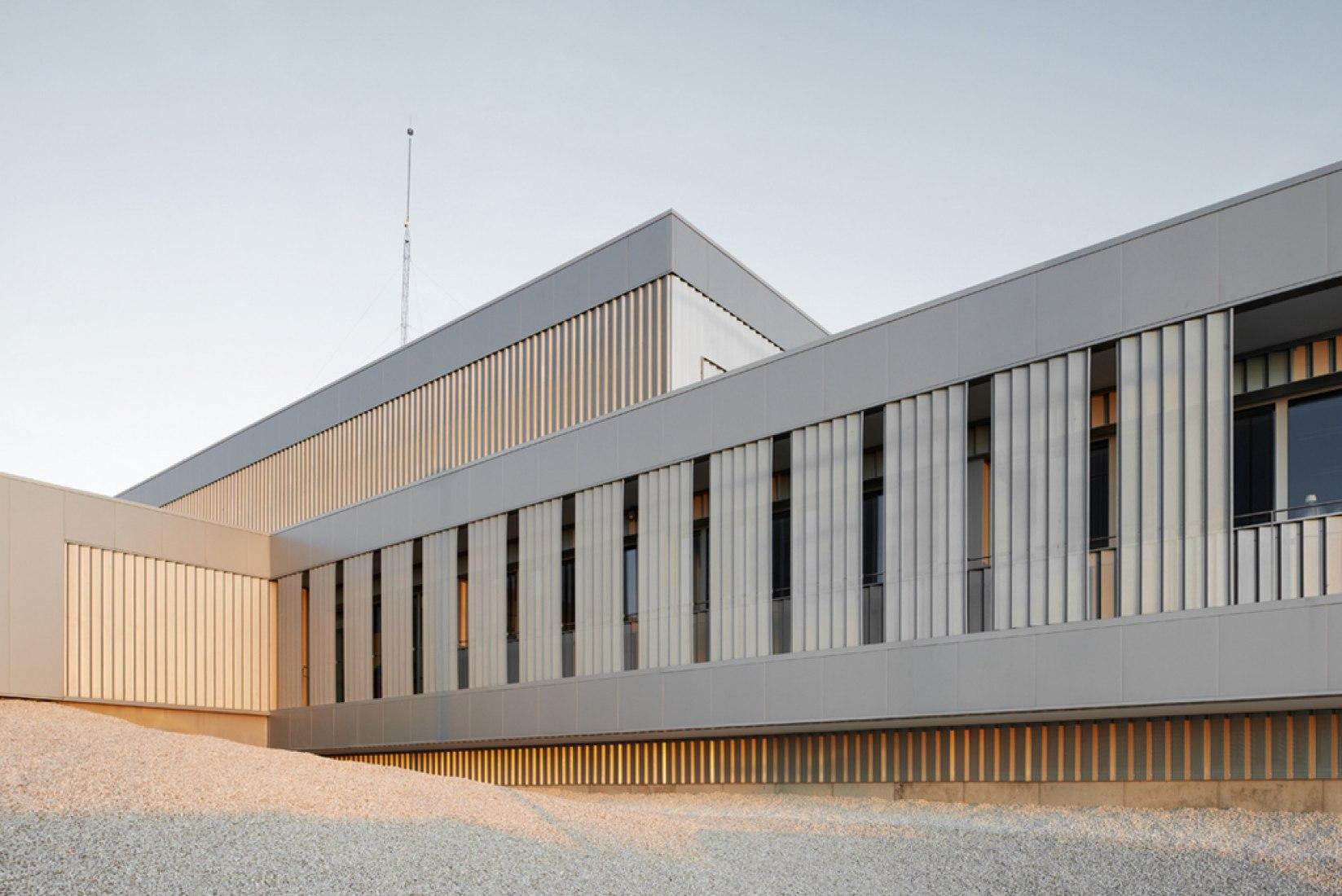 Nueva Sede para los Laboratorios de I+D de Certest por Raimundo Bambó, Federico Pardos. Fotografía © Iñaki Bergera. Cortesía de ACXT.