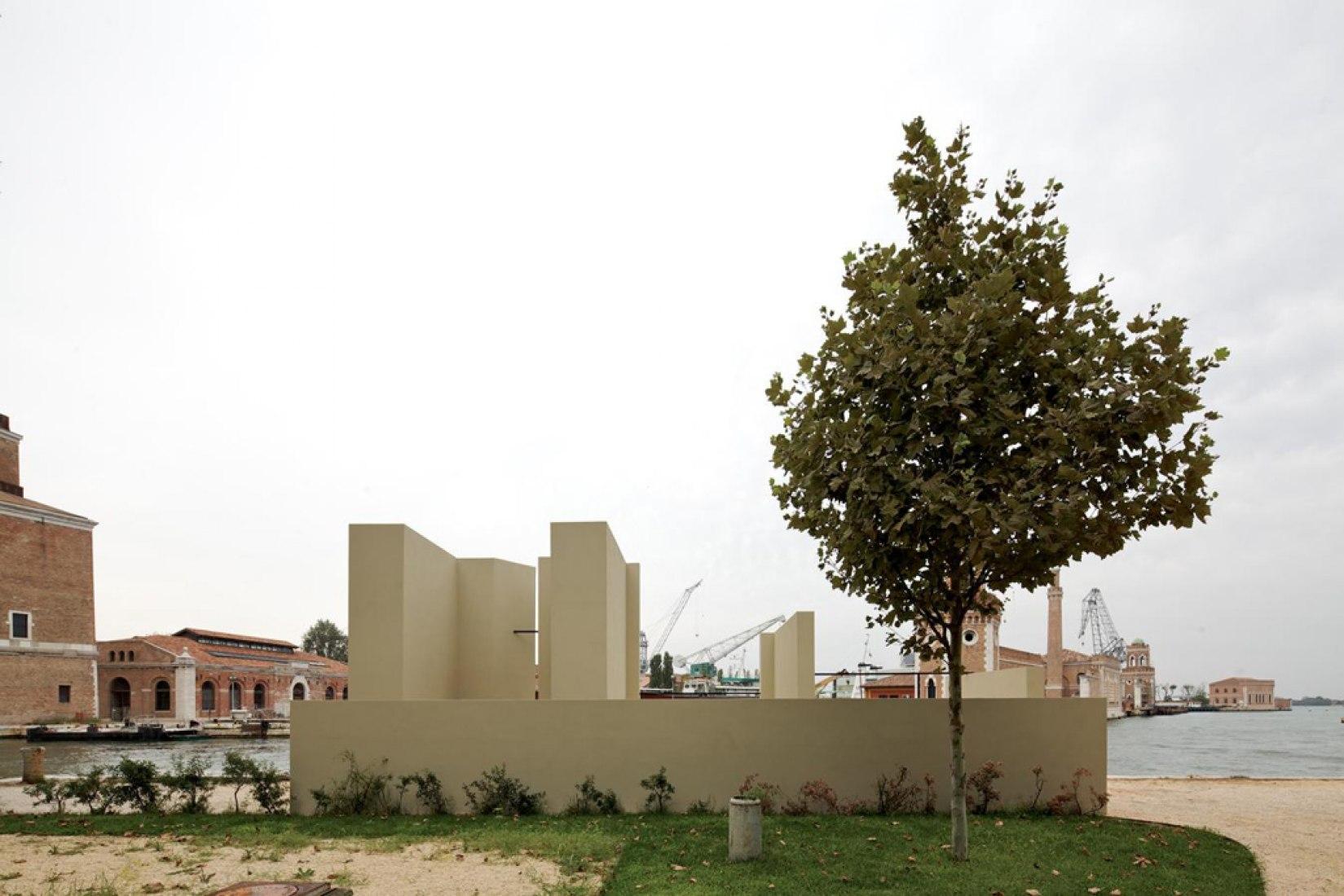 Contribución a la Bienal de Venecia, 2012.