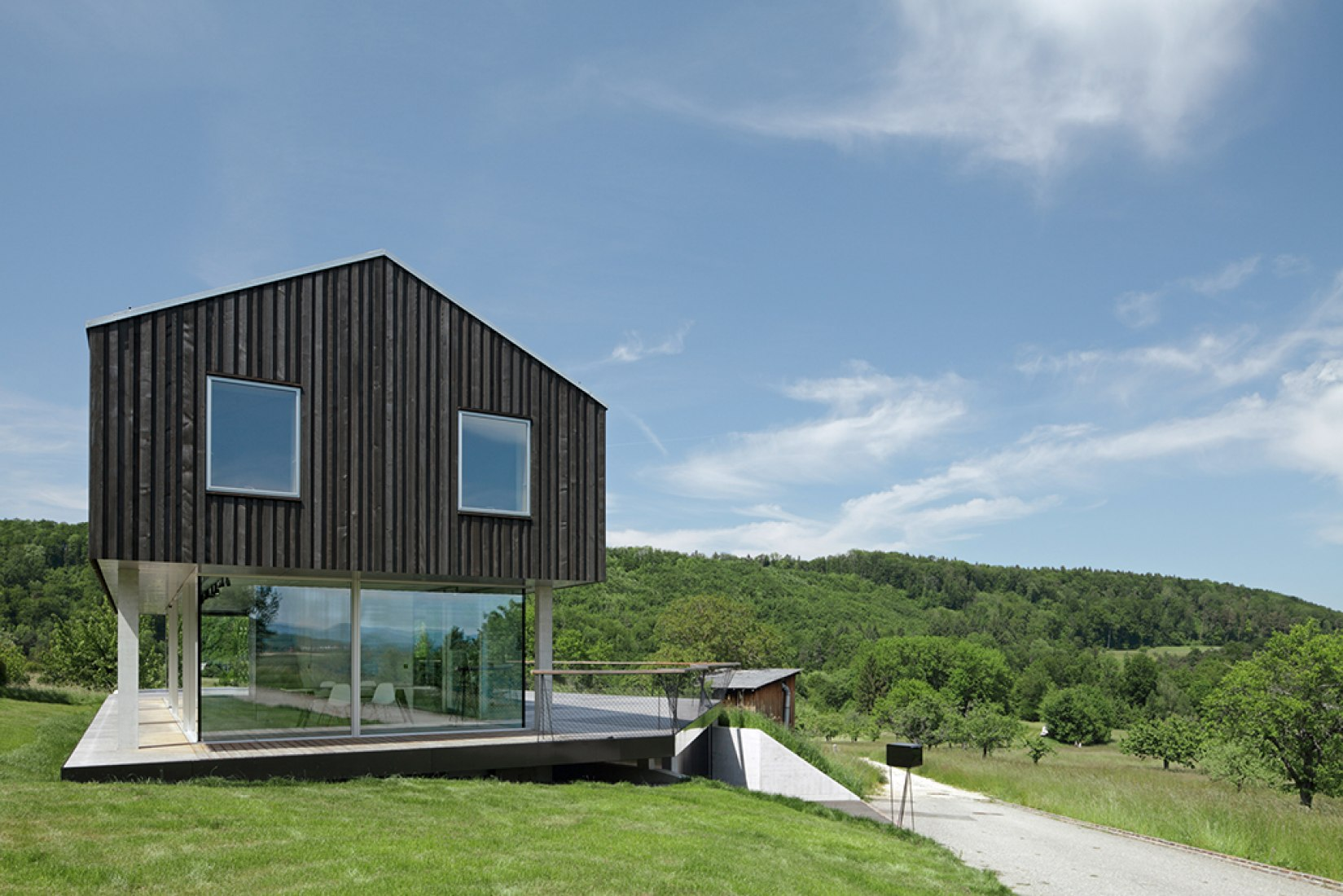 Outside vision. House D by HHF Architects. Photograph © Tom Bisig