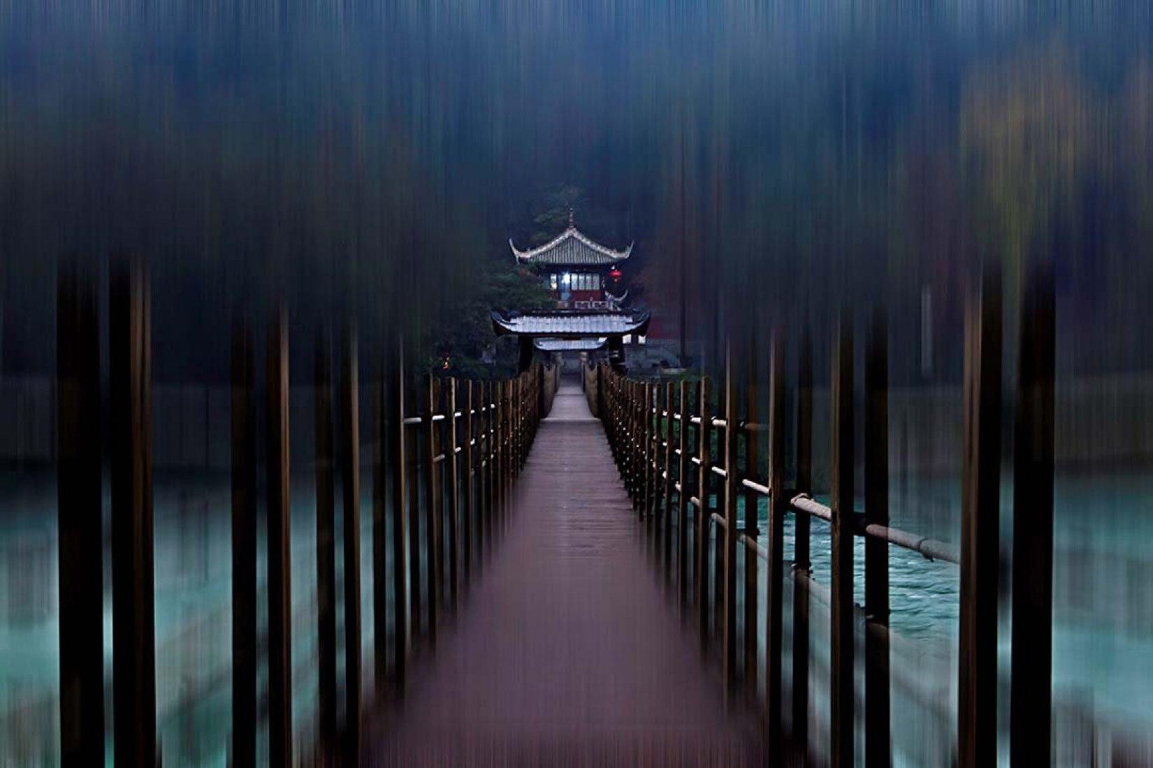 Puente de Dujiangyan, 2011. Fotografía sobre papel Kodak rc brillo. 180 x 270 cm | 70,87 x 106,3 inch. Ed. 3 + 1 PA.