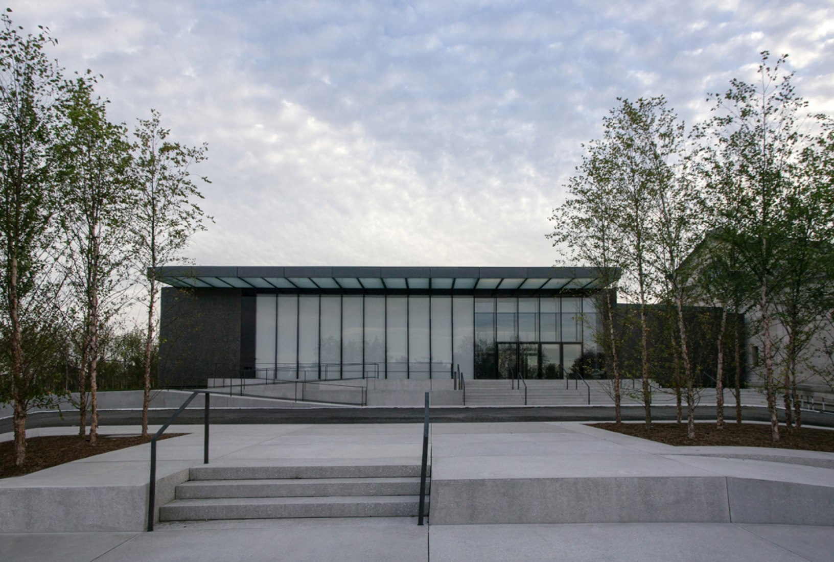 The new East Building seen from Fine Arts Drive (North facade). Image courtesy of the Saint Louis Art Museum and Architectural Wall Systems. Photograph © Jacob Sharp.