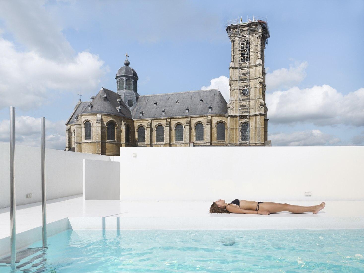 Swimming pool K by dmvA. Photography © Frederik Vercruysse.