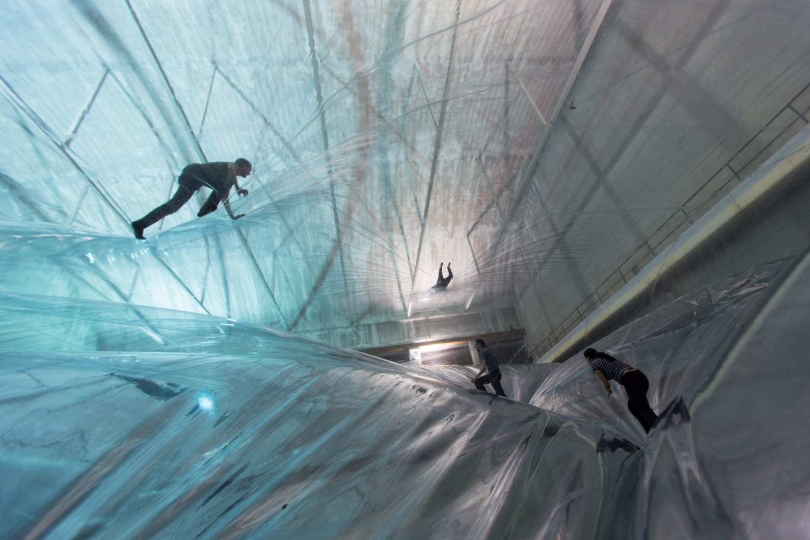 Detail. On space time foam by Tomás Saraceno. Photography © Alessandro Coco