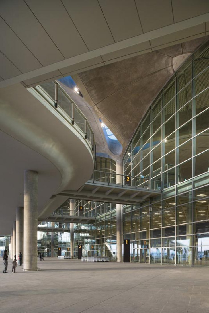 Official opening of Queen Alia International Airport by Foster & Partners.