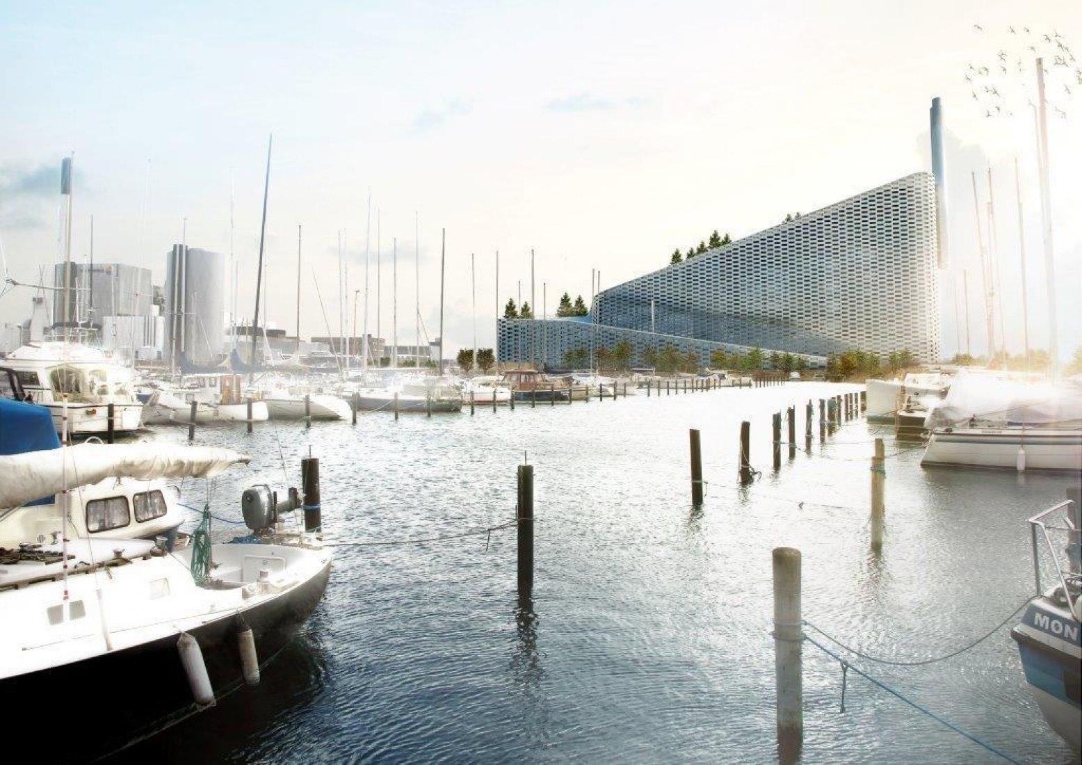 Visualización exterior desde el puerto.  Amager Bakke Planta de conversión de residuos en energía por BIG-Bjarke Ingels Group.