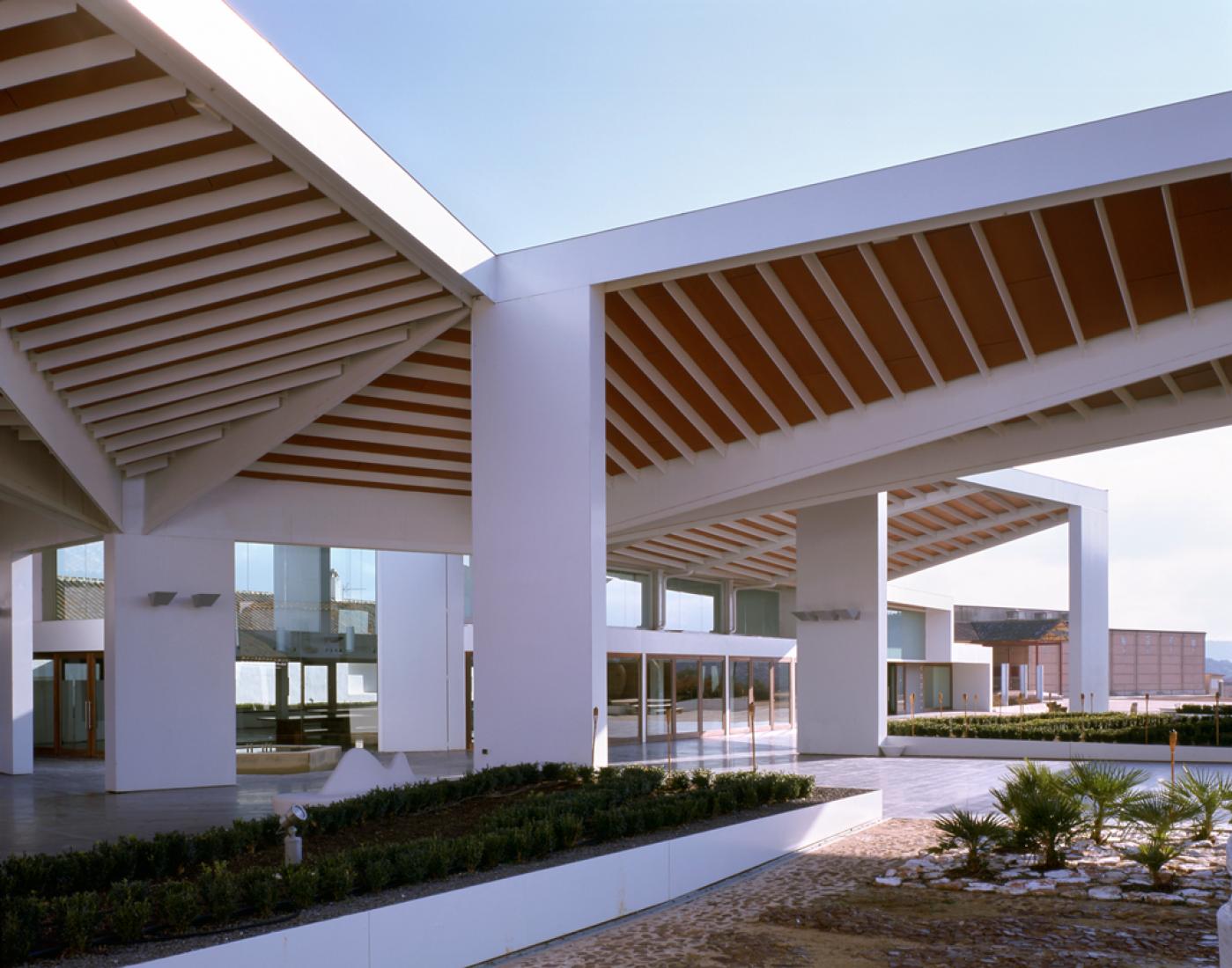 Bodegas Real, por ParedesPedrosa arquitectos. Fotografía © Luis Asín.