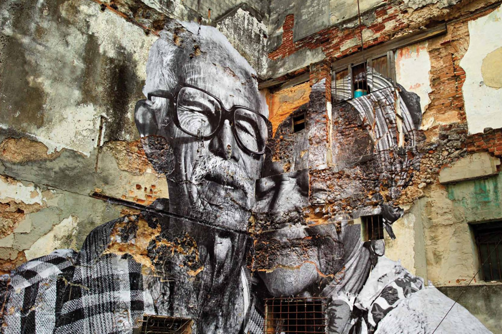 Rafael Lorenzo and Obdulia Manzano. The Wrinkles of the City - La Havana, by José Parlá and JR.
