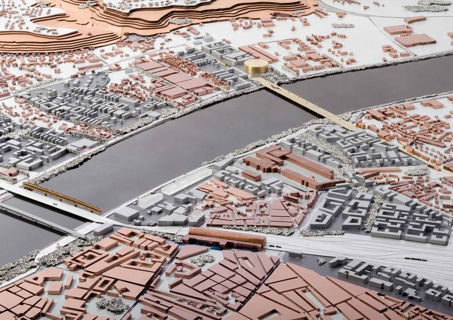 Model of the bridge in its urban Bordeaux context. Pont Jean-Jacques Bosc. Image © courtesy of OMA.