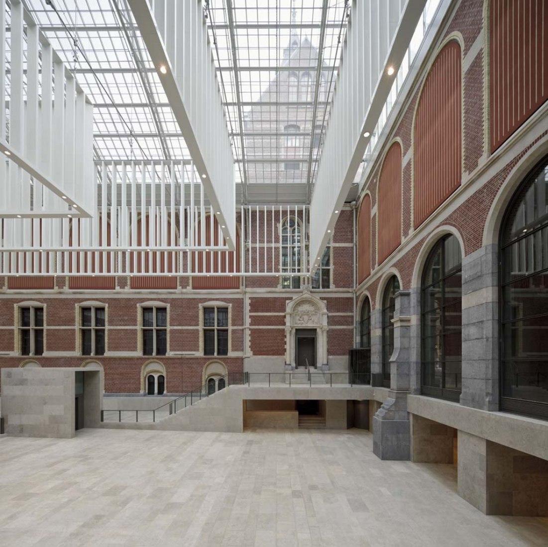 Nuevo atrio de entrada del Rijksmuseum de Ámsterdam por Cruz y Ortiz Arquitectos. Fotografía © Pedro Pegenaute. Imagen cortesía deRijksmuseum.