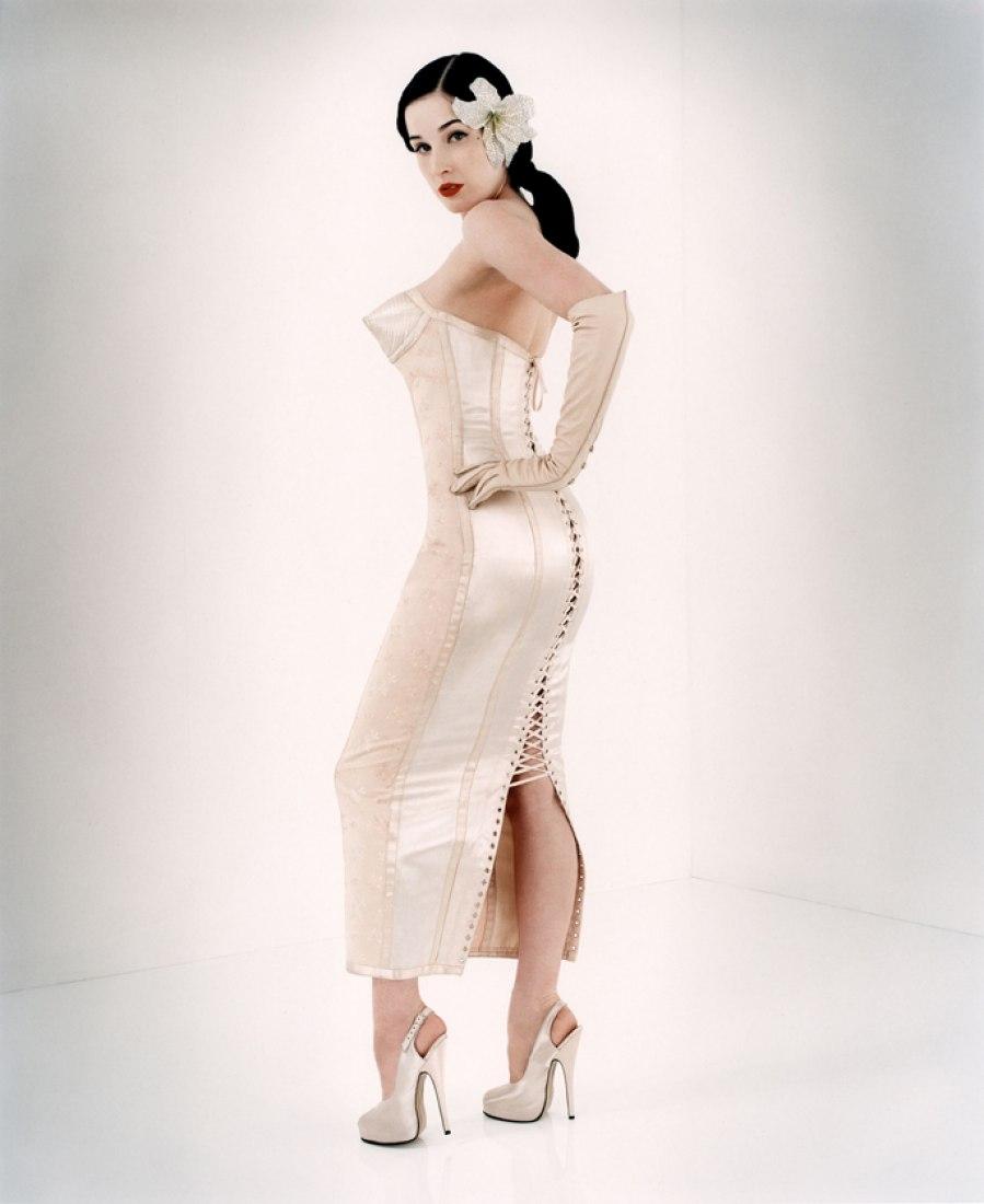Perou, Dita Von Teese Flaunt, 2003 Colección Dada Prêt-à-porter Mujer primavera / verano 1983 © Perou.