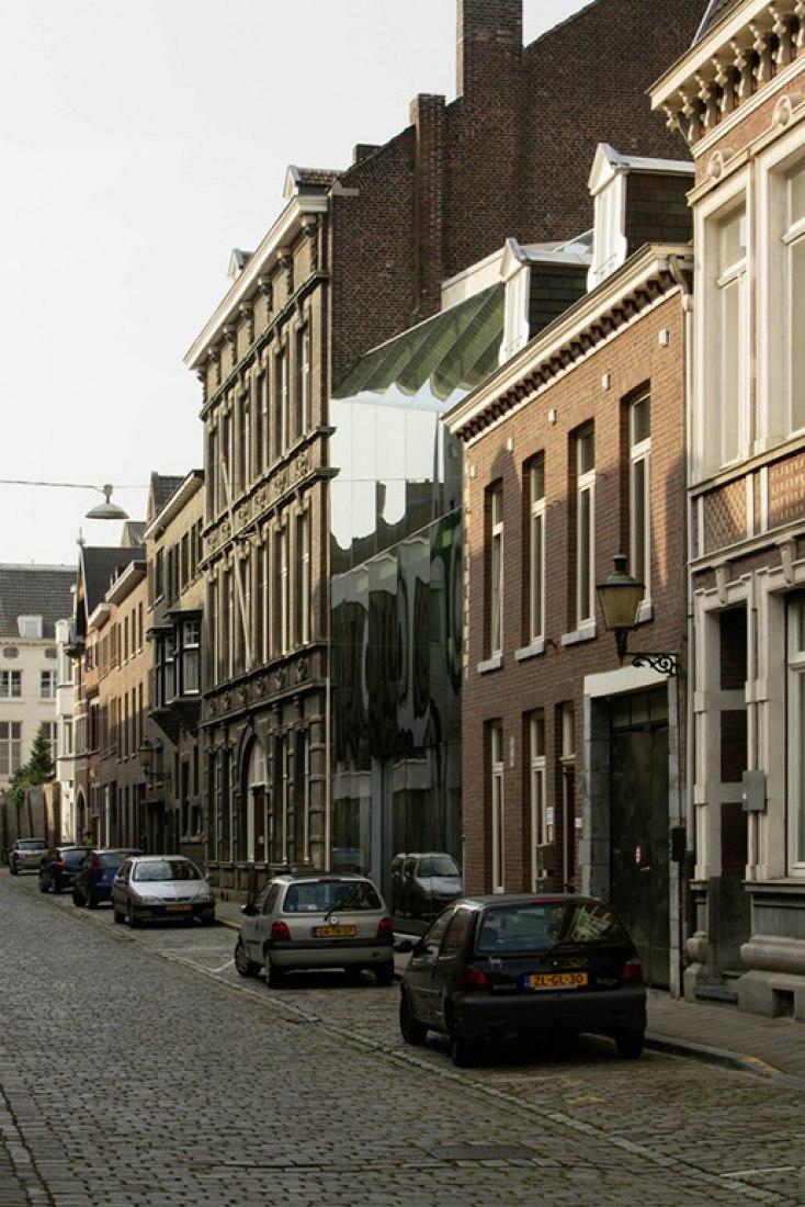 Casa V' en Maastricht por WAA. Fotografía © Jan Bitter
