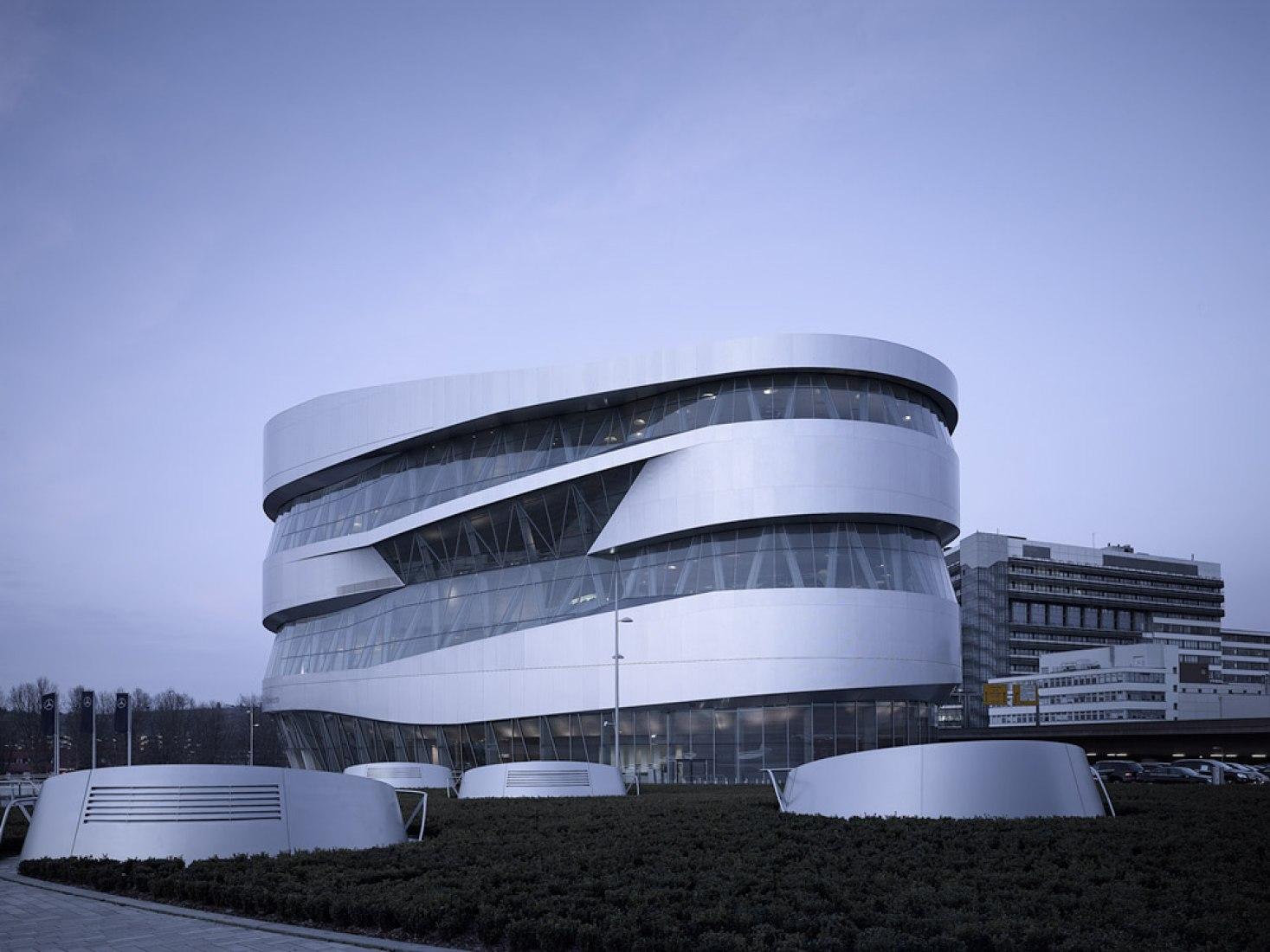 Mercedes-Benz Museum (2006), Stuttgart/Germany. Photograph © Michael Schnell