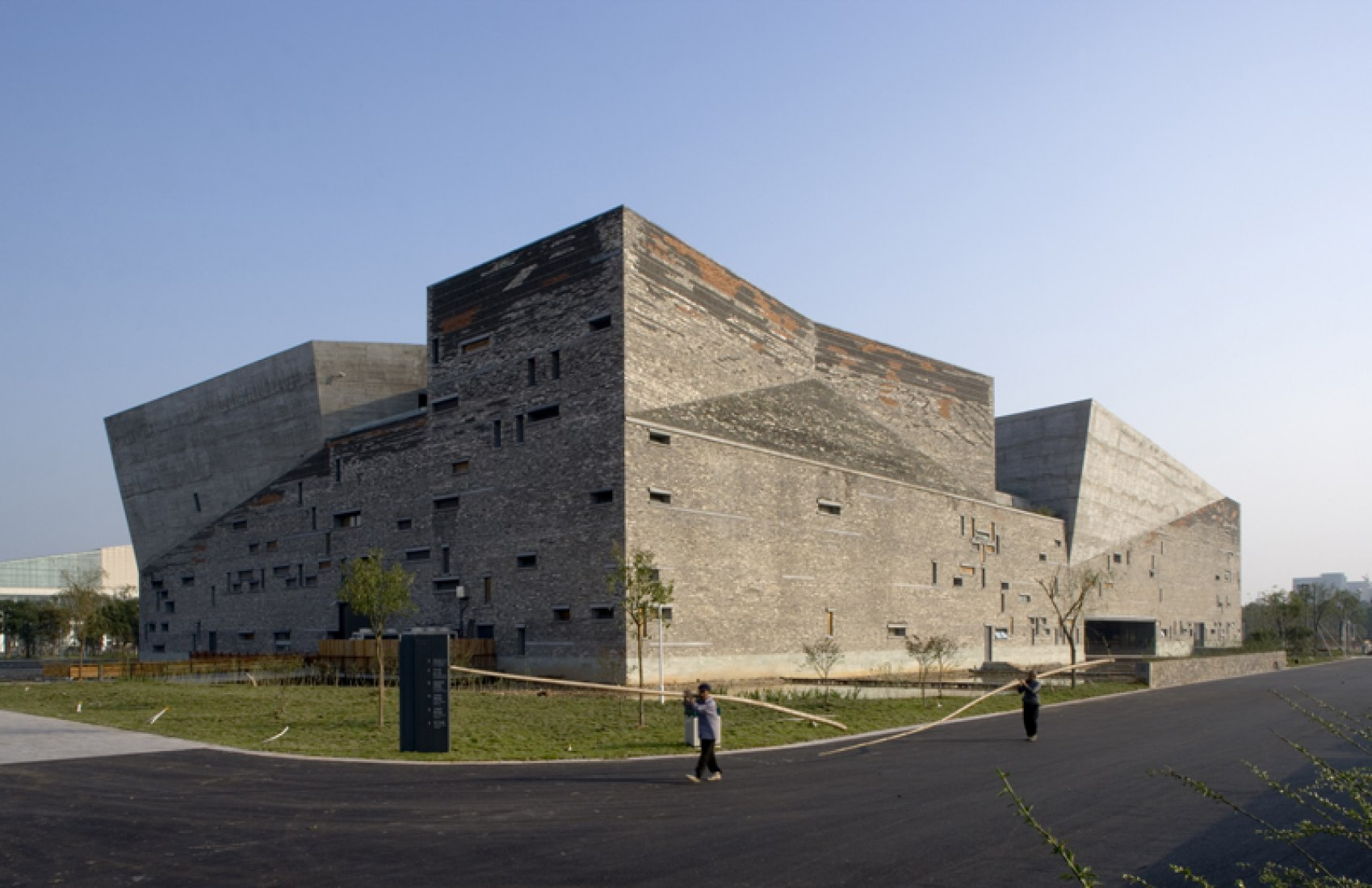 Museo de Historia Ningbo, 2003-2008, Ningbo, China. Foto por Lv Hengzhong.