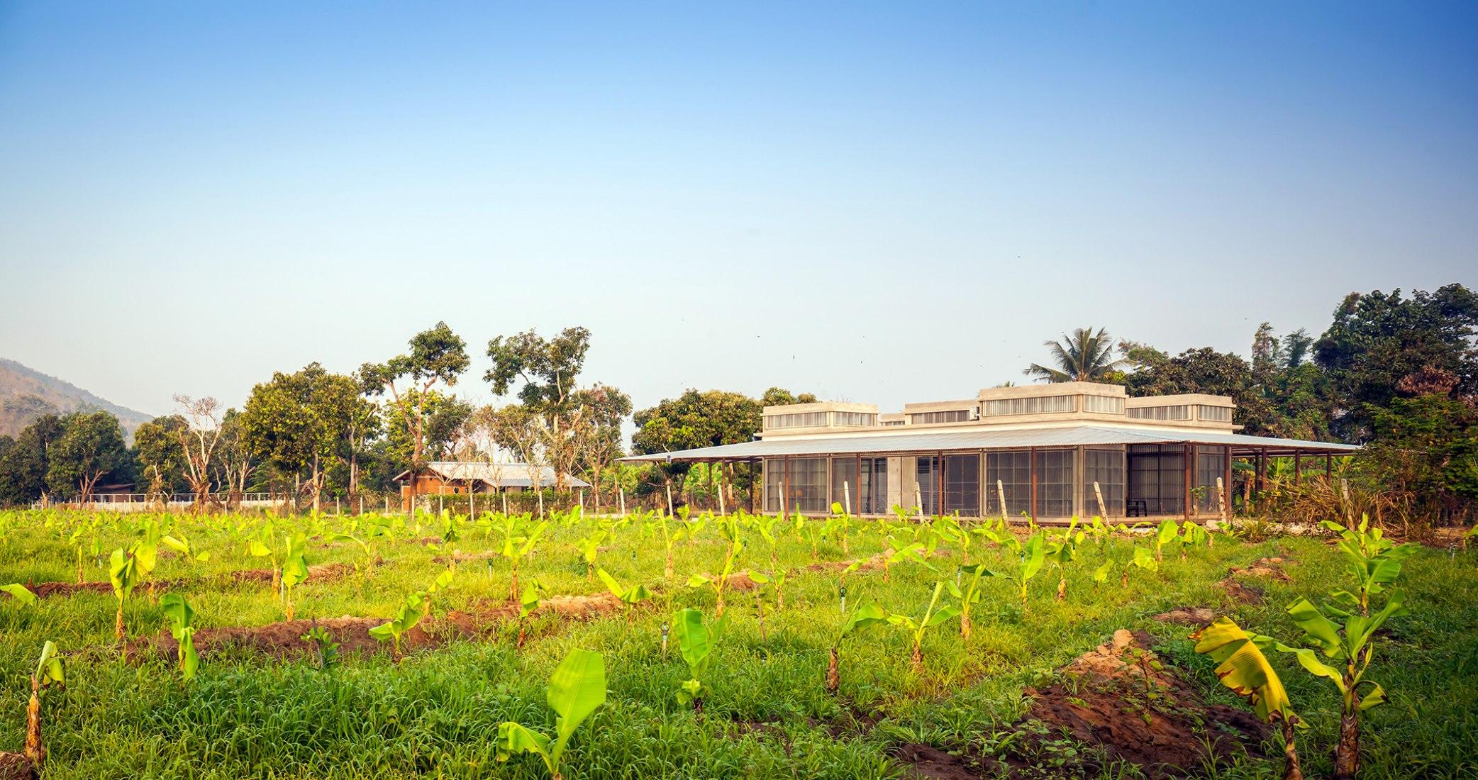Kaeng Krachan Library by Junsekino Architect and Design. Photograph by Spaceshift Studio