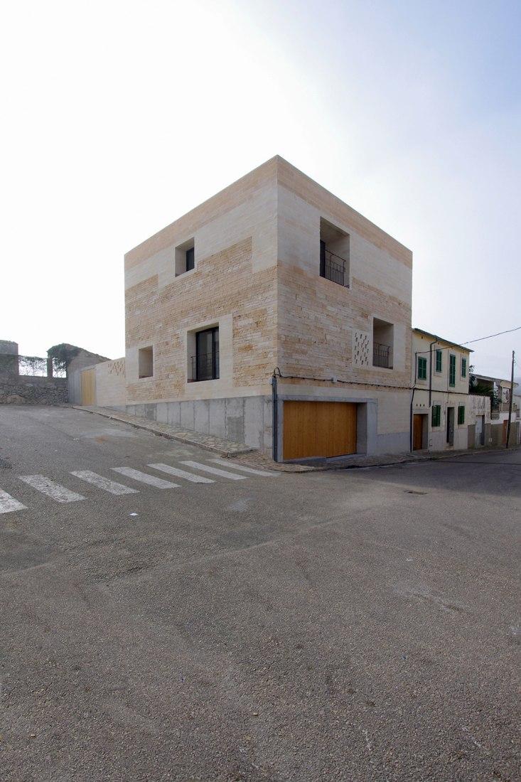 Vista exterior. Can Jordi i n´Àfrica por TEd´A arquitectes. Fotografía © TEd´A arquitectes.