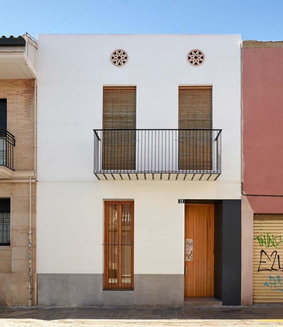 Vista exterior fachada. Casa Ricart por Gradolí&Sanz. Fotografía © Mariela Apollonio.