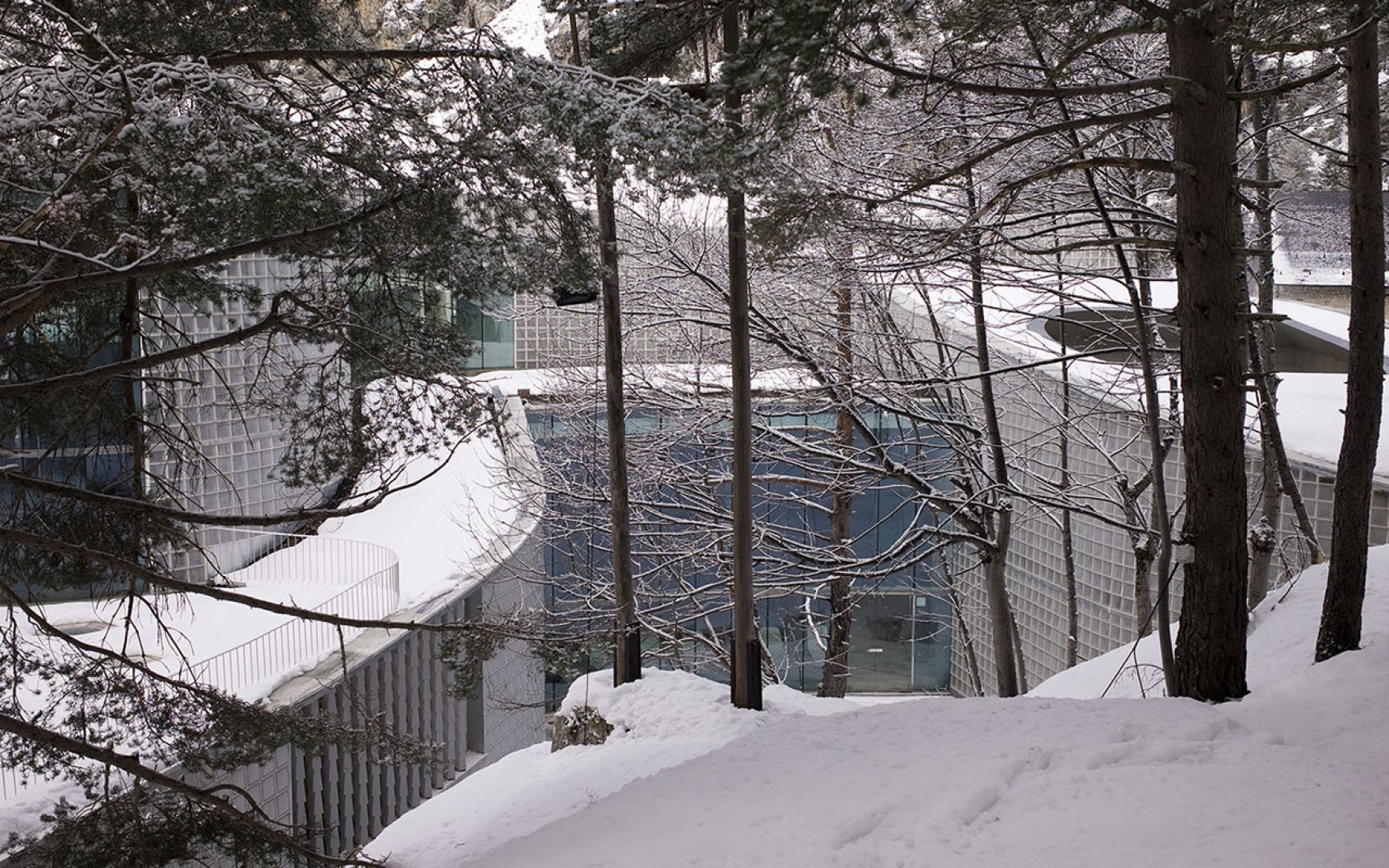 Exterior view. Thermal baths