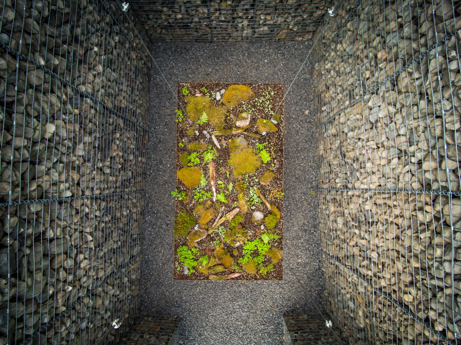 17th International Garden Festival. LE CAVEAU por Christian Poules de Basel, Switzerland.  Fotografía © Martin Bond.  Imagen cortesía de v2com.