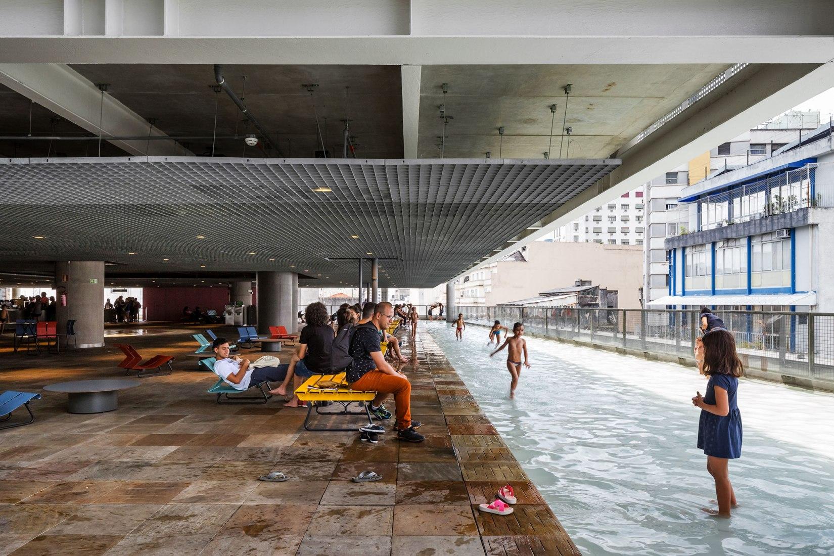 Sesc 24 De Maio, Paulo Mendes Da Rocha + Mmbb Arquitetos, Brasil. Fotografía por Ana Mello