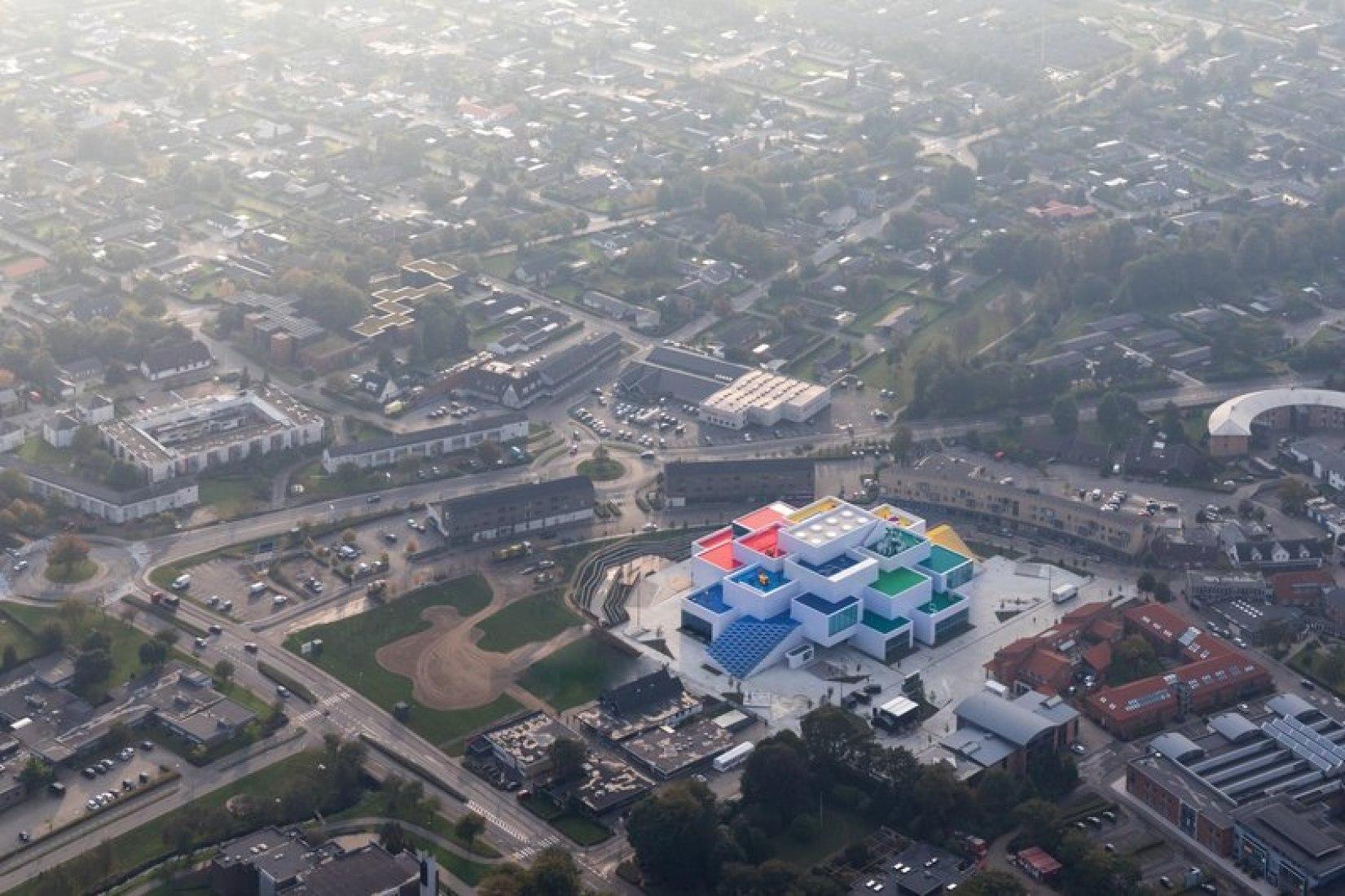 Vista general. LEGO House por BIG. Imagen cortesía de LEGO