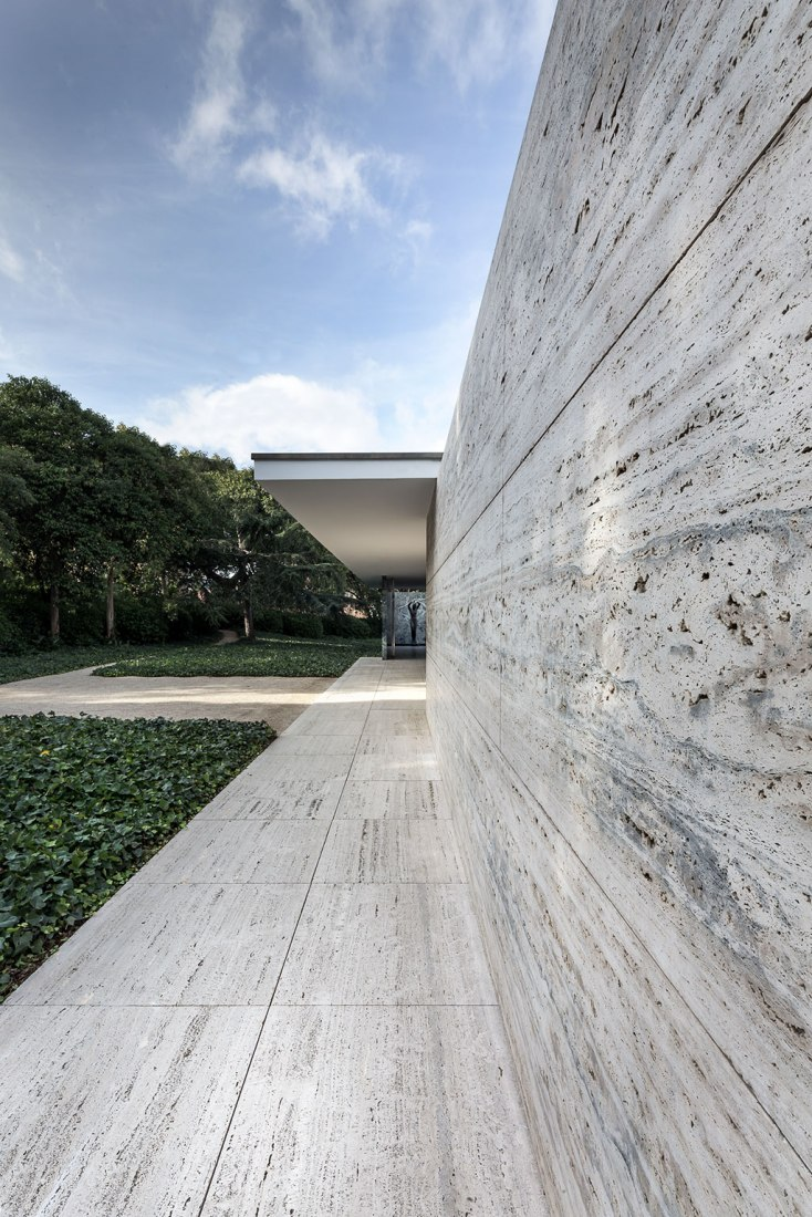 Mies van der Rohe Pavilion. Photograph © Rafa Vargas. Image courtesy of Fundació Mies van der Rohe.