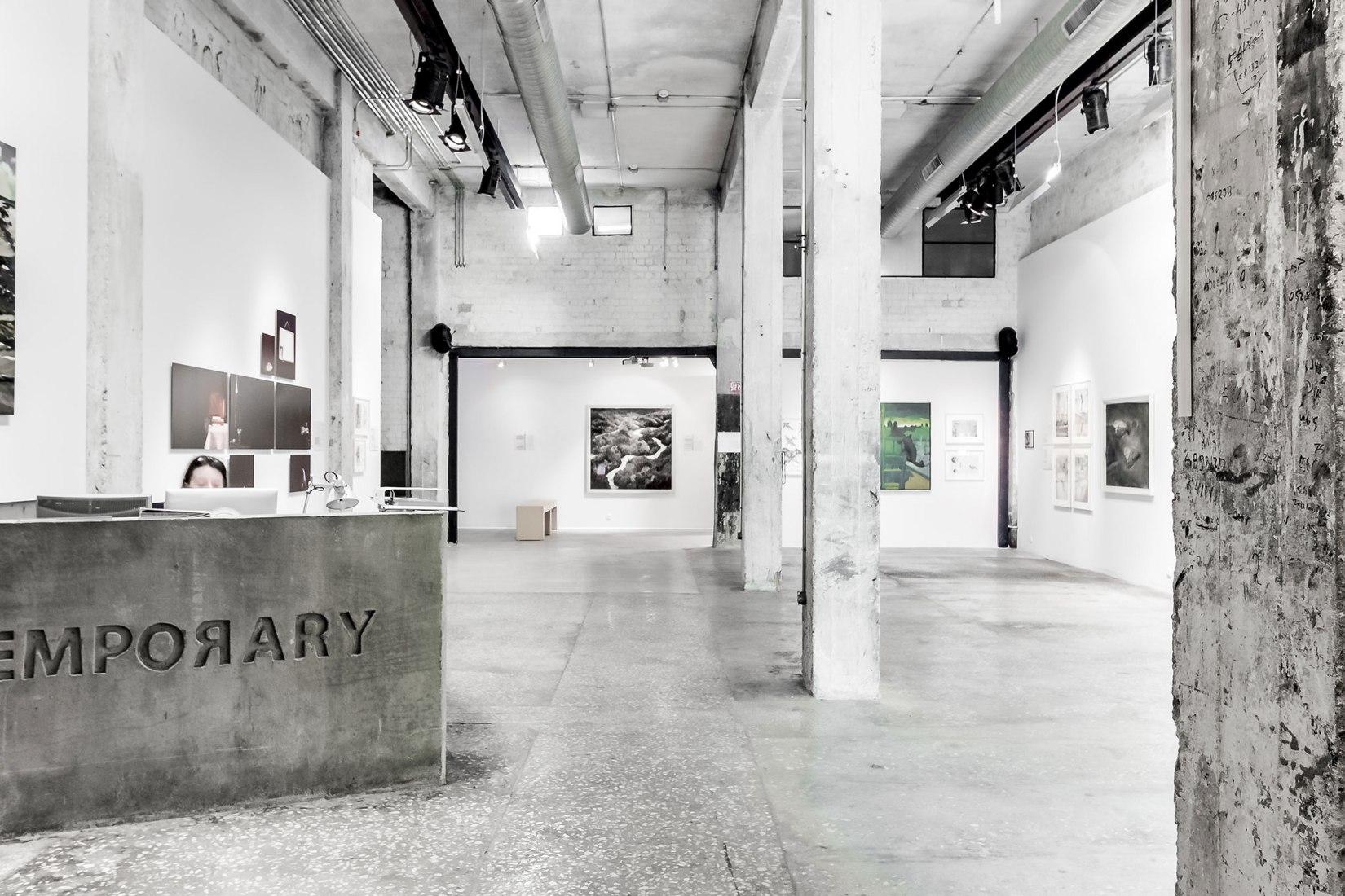 Contemporary, galería de arte por A.Lerman Architects. Fotografía por Richard Jochum